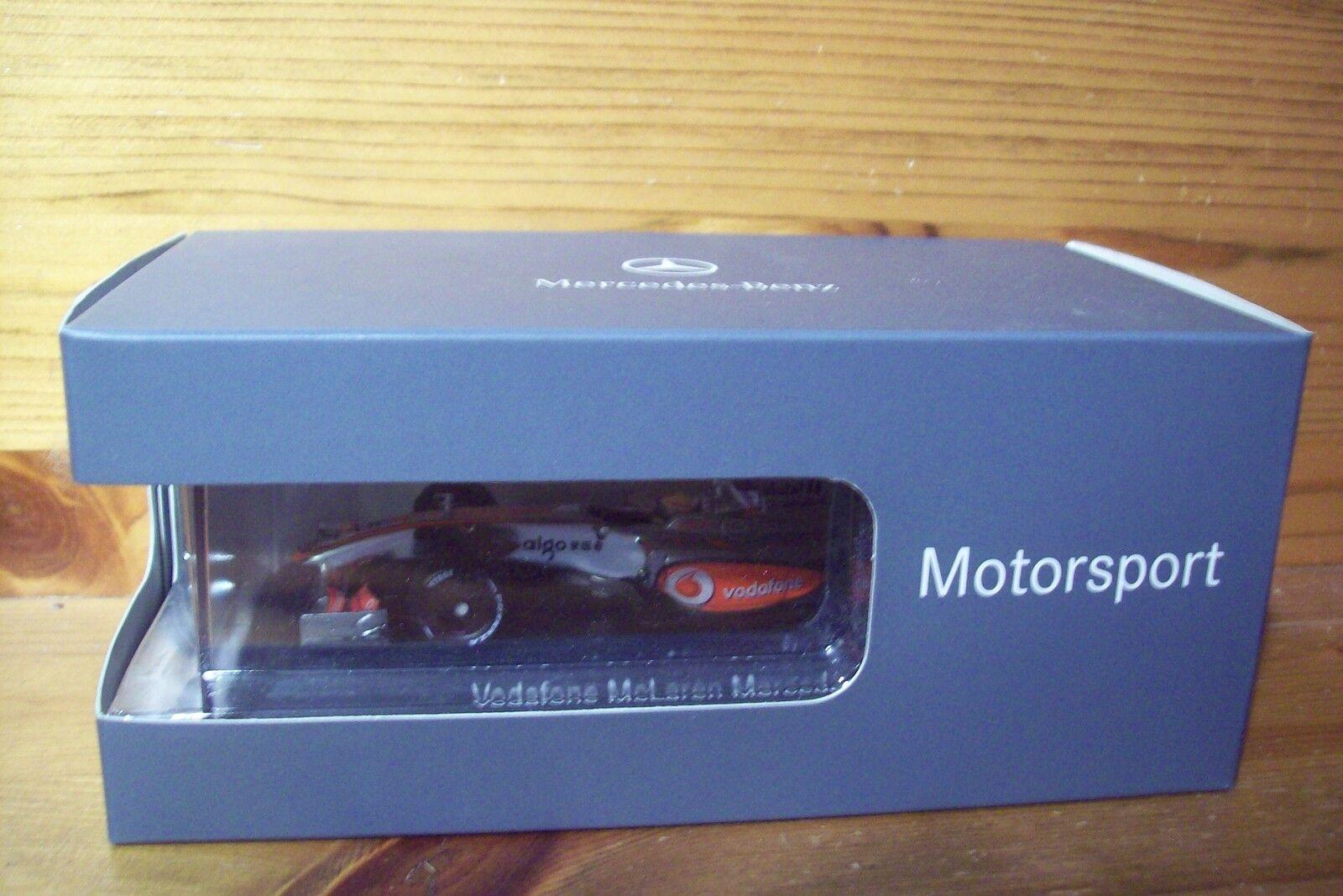 1 43 McLAREN 2009 MP4 24 LEWIS HAMILTON MERCEDES BOX