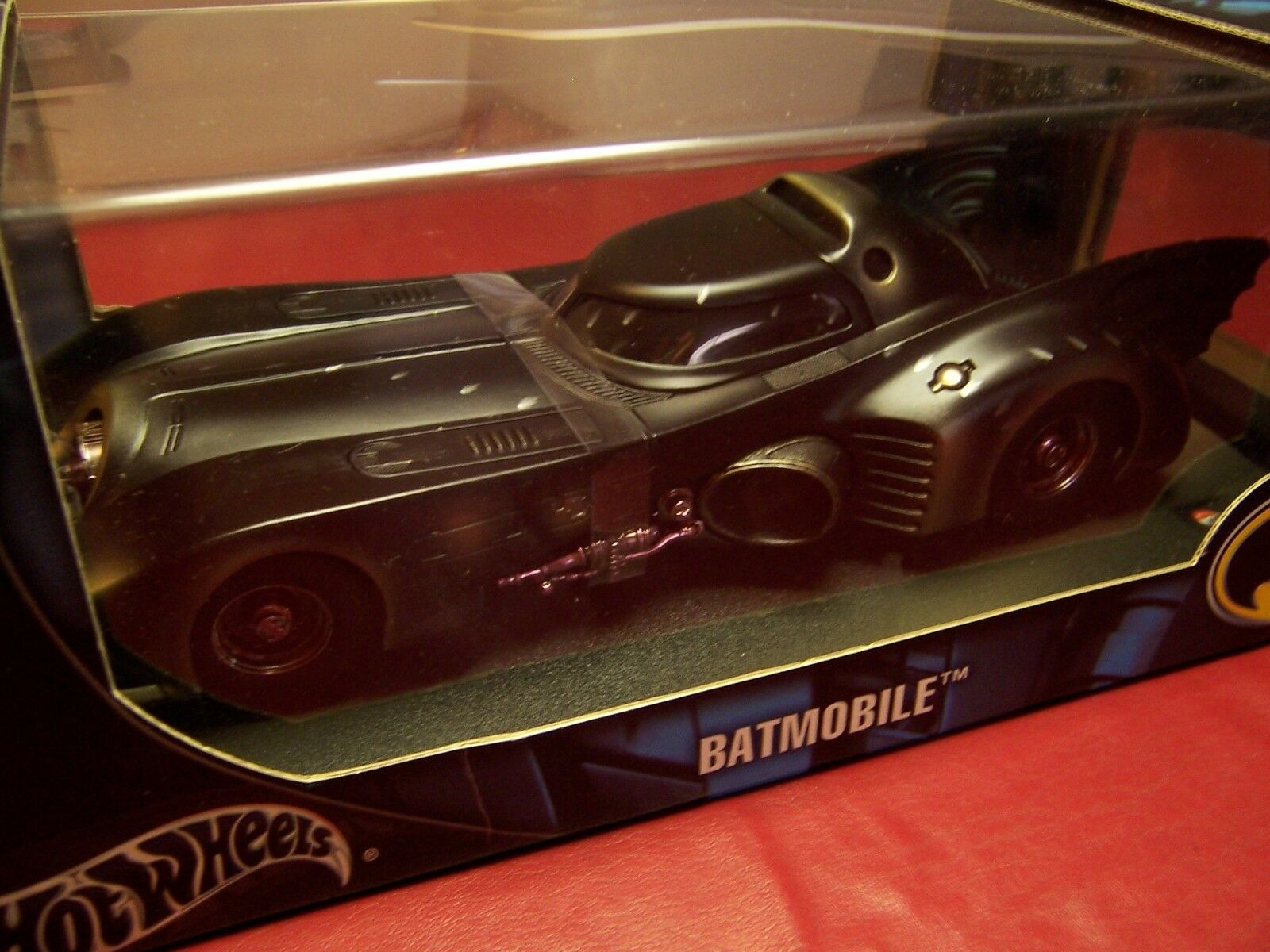 HOT WHEELS G3665 BATMAN BATMOBILE BATTLE-DAMAGED  VERY RARE Limited Edition 1 18