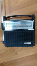Portable General Electric GE Solid State Transistor Radio Model 7-2810H AC or DC