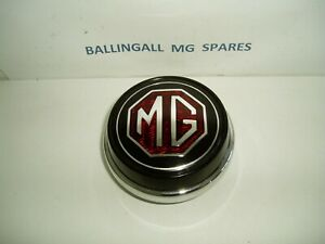 MG-MGB-1962-1970-HORN-PUSH-STEERING-WHEEL-CENTRE-PIECE-AHH6319-408-220