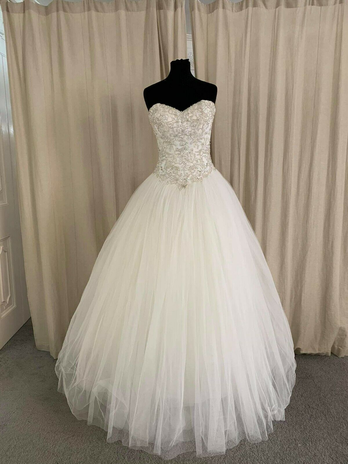 Ladybird Bridal princess wedding dress style 218003 size 16 Fitted in ivory