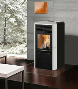 Stufa a pellet canalizzata point plus 8 kw italiana camini for Stufa a pellet edilkamin daisy