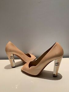 Authentic-Chanel-Beige-Peach-Pearl-Patent-Leather-with-Metal-Heel-Shoes-38-1-2