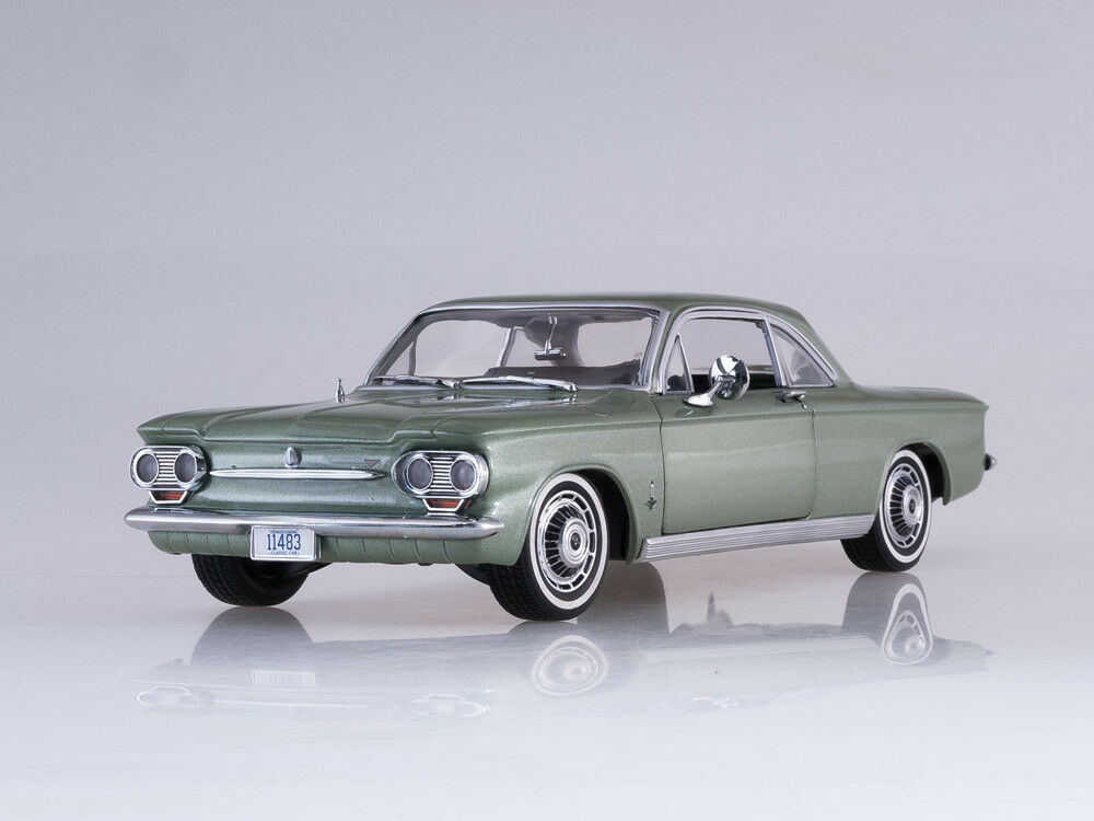 Escala modelo 1 18 1963 CHEVROLET CORVAIR COUPE (Laurel verde)