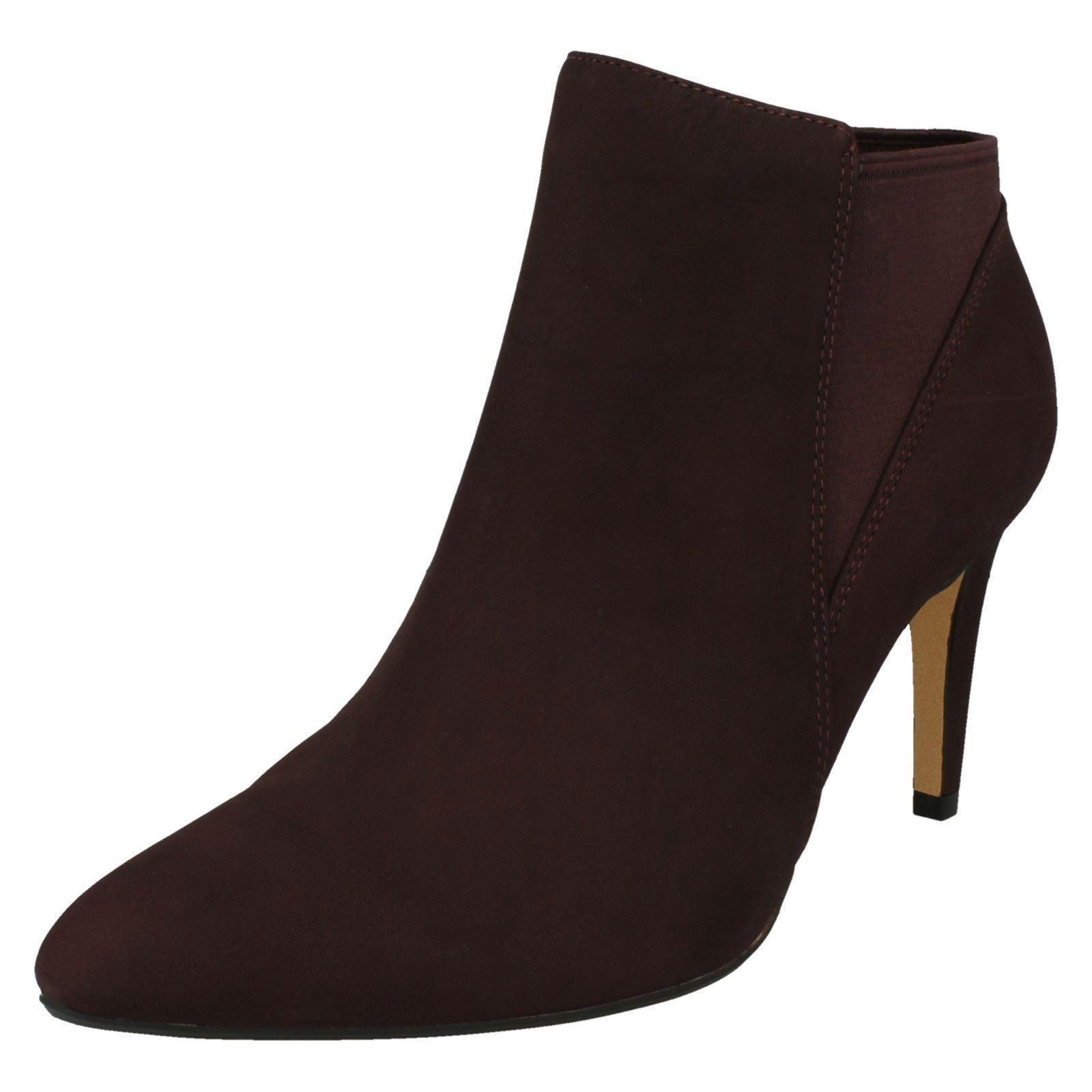 damen-Clarks Pull On Ankle Stiefel Laina Laina Laina lila   de38e4