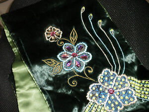 TABLE-RUNNER-IN-VELVET-WITH-EMBROIDERY-BEADS-AND-SEQUINS-JUST-GORGEOUS
