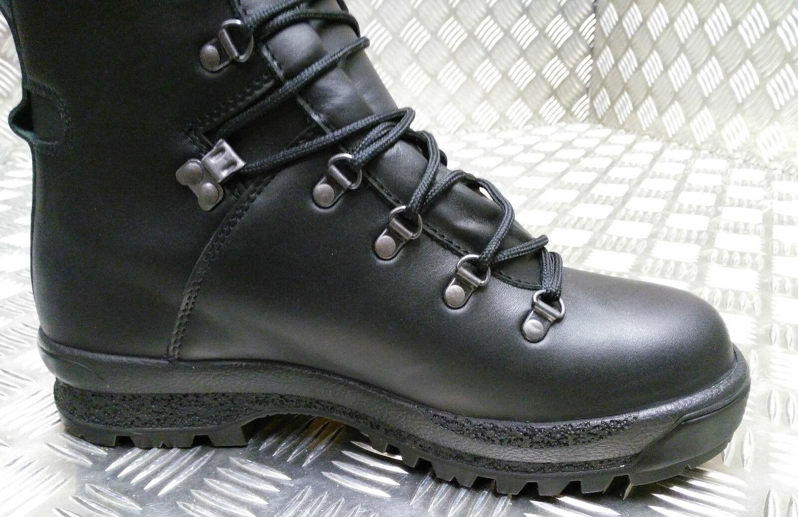 Véritable Militaire Britannique Goretex temps froid et et et pluvieux Assault Noir Bottes en cuir 01d86b