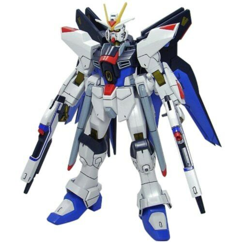 BAN134152 BANDAI 1/100 Gundam SEED DESTINY Strike Freedom Gundam