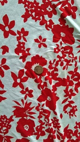 FREE UK P/&P Viscose Lycra jersey fabric Material Red /& White Floral print