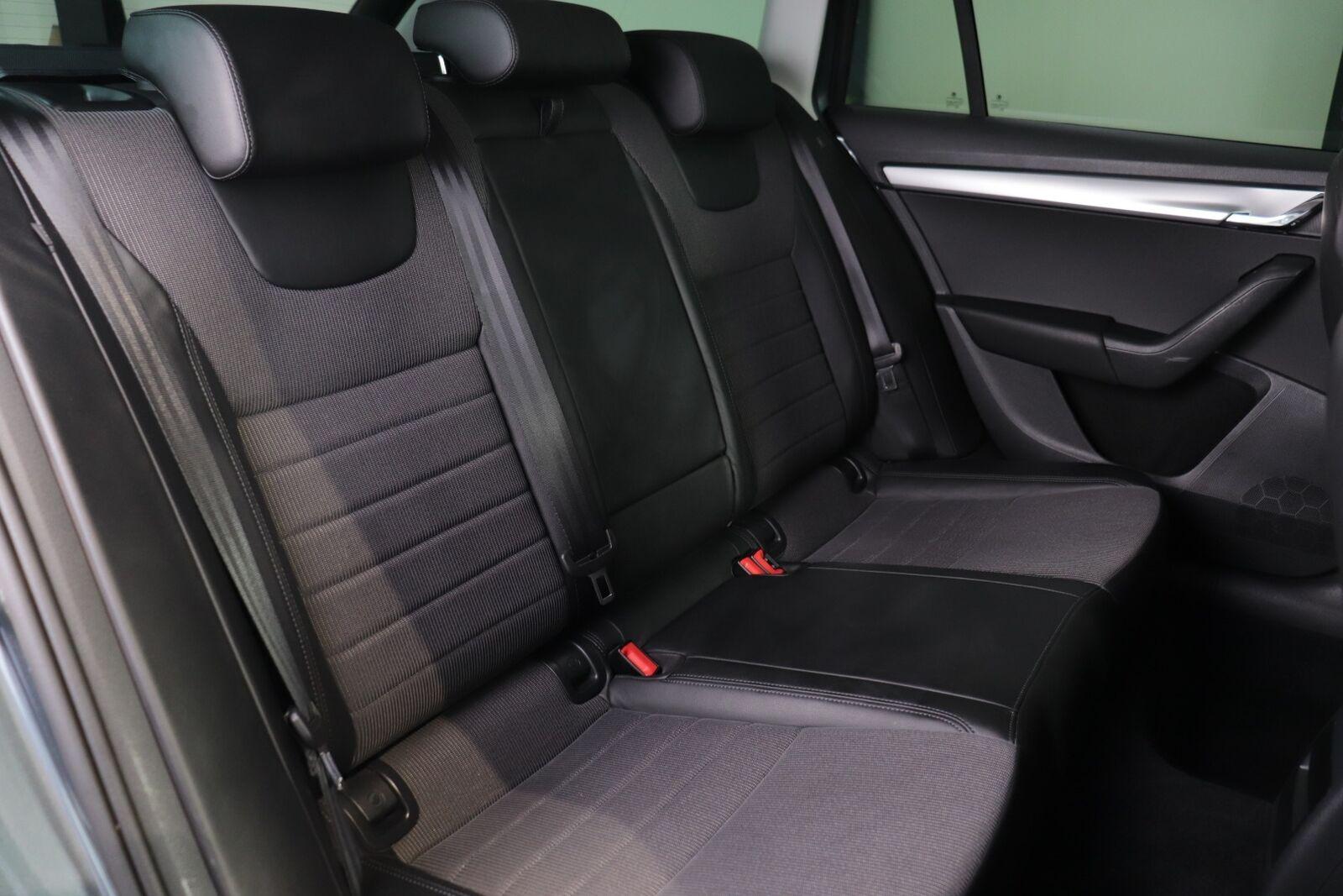 Skoda Octavia TDi 110 Style Combi