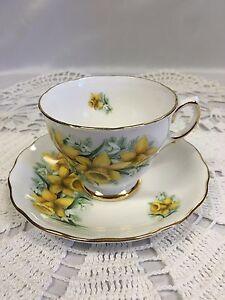 Vintage-Teacup-Saucer-Colclough-English-Bone-China-Pattern-7846