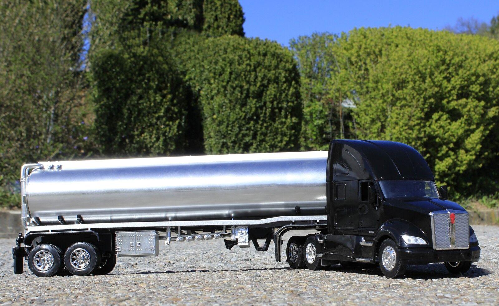 Spielzeug LKW Kenworth T700 mit Benzin ANHÄNGER in 1 32 Länge 58cm         12223