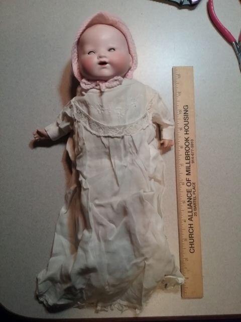 Antique ARuomoD MARSEILLE    A.M Geruomoy BISQUE bambino bambola collector grade  in cerca di agente di vendita