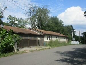 FORECLOSURE! 2 BEDROOM 1 BATH HOUSE-20 MINUTES FROM PITTSBURGH! NO RESERVE!