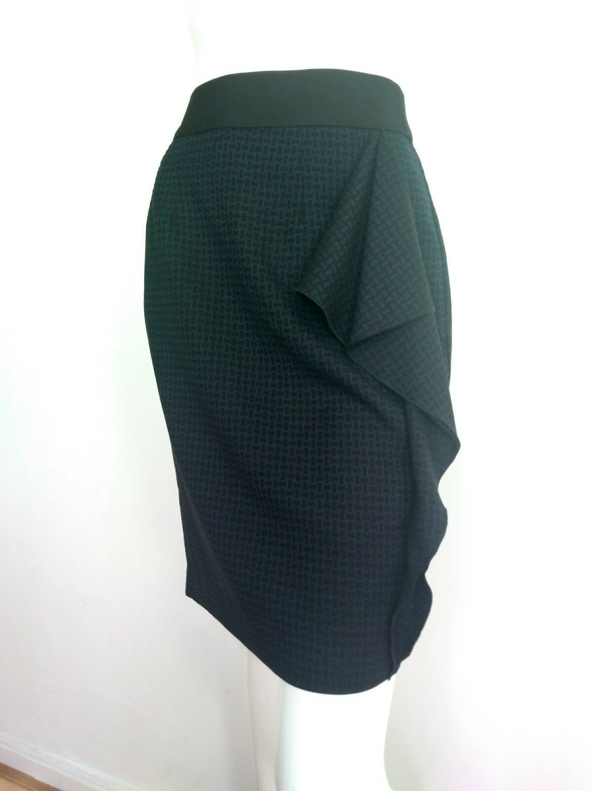 Designer ROKSANDA ILINCIC skirt size 12 -NEW WITH TAGS-knee length ruffle detail