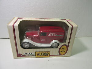 Ertl-039-32-Ford-Panel-Van-Ace-Hardware-1-25-Scale-Diecast-Coin-Bank-dc2913