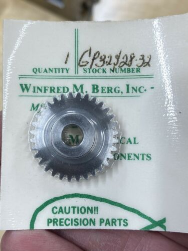 """TIMING PULLEY 32 PITCH 32 TEETH 1//4/"""" BORE Details about  /W M BERG STAINLESS STEEL SPUR GEAR"""