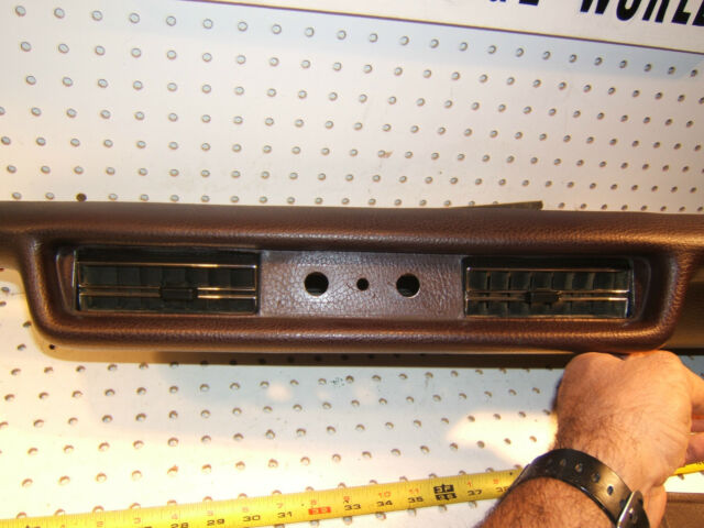 Mercedes Late W109,W108 Lower Dash AC Burgundy OEM 1 Pad / Cover & Vents,Type#2