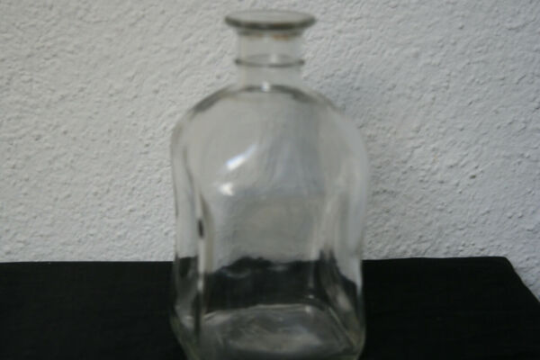 Alte Schöne Glasflasche 4 Eckig Deko An Den Seiten Eingewellt . Siehe Bilder Bequemes GefüHl