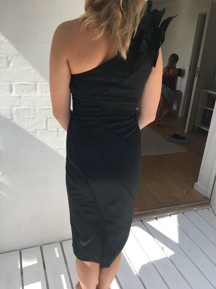 Cocktailkjole, Karen Millen, str. XS
