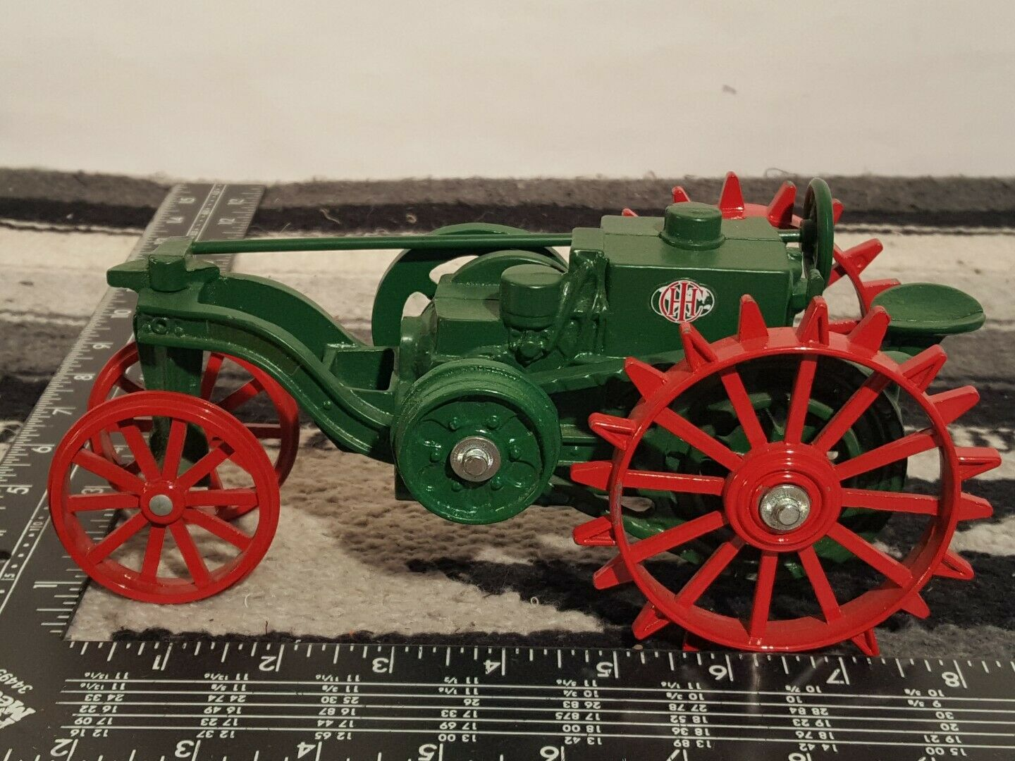 IH 8-16 Mogal Heritage Series No.4 1 16 diecast tractor replica by Scale Models