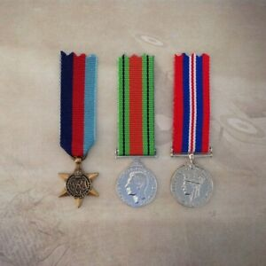 1939-45-STAR-DEFENCE-1939-45-WAR-MEDAL-TRIO-MEDAL-SET-ANTIQUE-AUSTRALIA