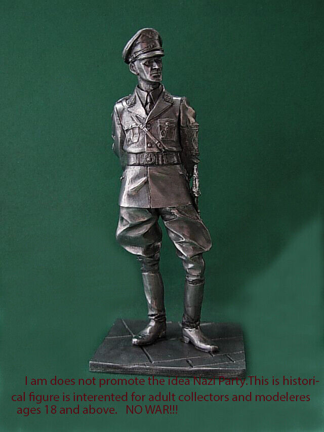 Tin 90mm WW2 GERMAN the officer head of security