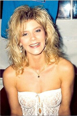GINGER LYNN - BIG SMILE, SEXY OUTFIT !!! | eBay