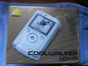 Nikon MSV-01 Coolwalker 30GB Digital Storage Photo Viewer