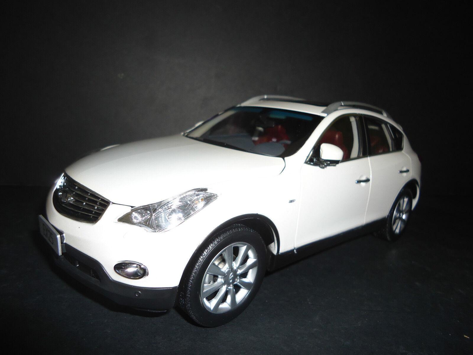 Paudi Infiniti EX25 2012 white 1 18 Hochwertig Modell