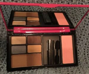 elizabeth arden makeup palette eyeshadows blush