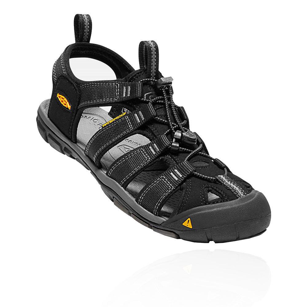 Venta de liquidación de temporada Keen Clearwater CNX Hombre Negro Resistente Agua Andar Verano Zapatos Sandalias