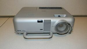 NEC VT465 400:1 1800 lumens LCD Video Projector with Lamp, No Remote