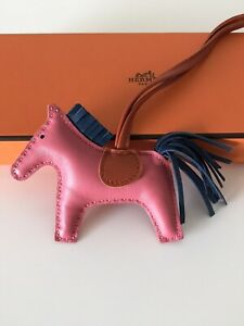 Hermes-Rodeo-Bag-Charm-PM-Size