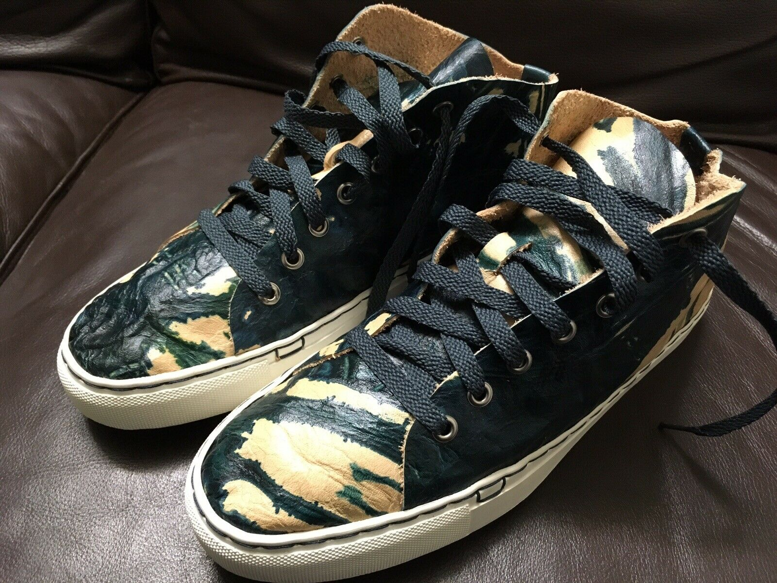 (Sold Out) Moo-Young fait à la main Seattle baskets Chaussures Teinté à la main en cuir Art