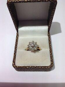 Bague-Marguerite-Diamants-Or-18ct-et-Argent