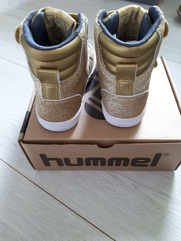 Sneakers, str. 23, Hummel