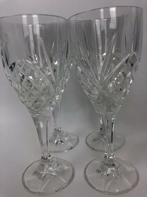4 Crystal Wine Glasses with Quilted Design