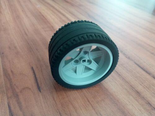 1x LEGO® Technic 68.8x36 ZR Reifen mit grauer Felge