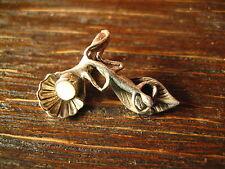 winziger Kinder Anhänger Salamander auf Blatt Muschel Bettelarmband 925er Silber