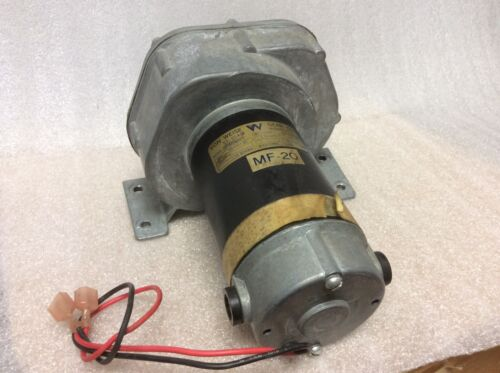 Von Weise Gear V01822AC84 Parallel Shaft Gearmotor Sproket 90Volt NEW NOS $159