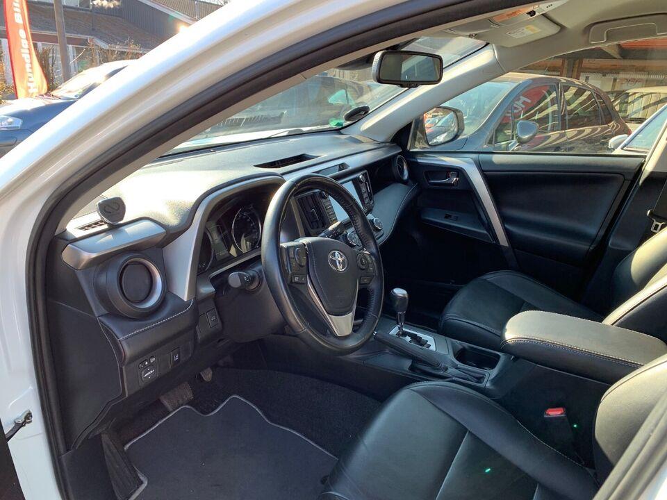 Toyota RAV4 2,5 Hybrid H3+ CVT 4x4 Benzin 4x4 4x4 aut.