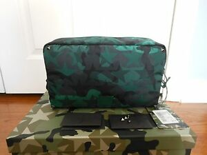 d06fb158809 NWT Valentino Garavani $595 Camo Star-Print Nylon Clutch Wash Bag w ...