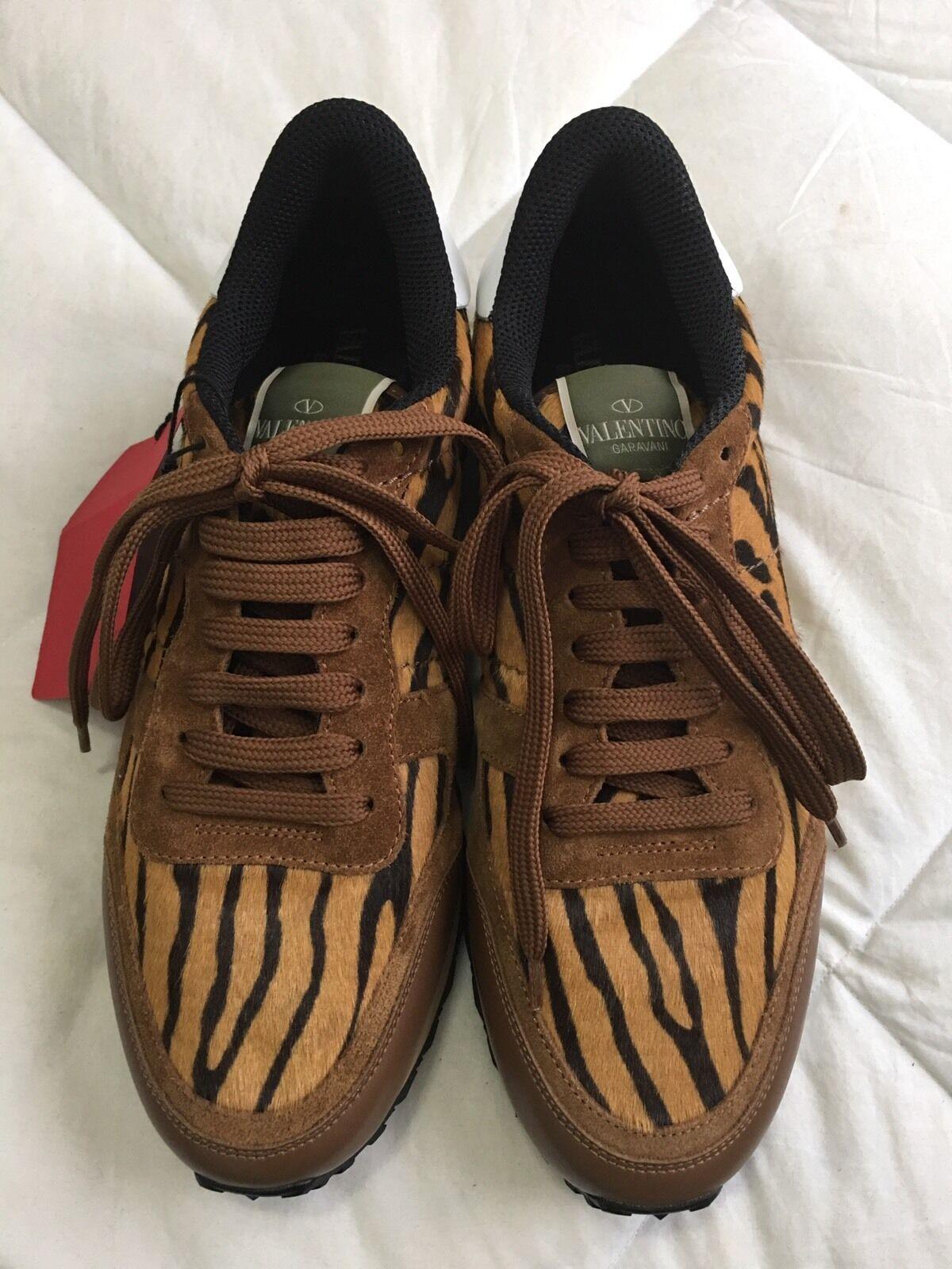 NEW Valentino Garavani Tiger Print Calf Hair Rock Runner Sneakers  41  1195