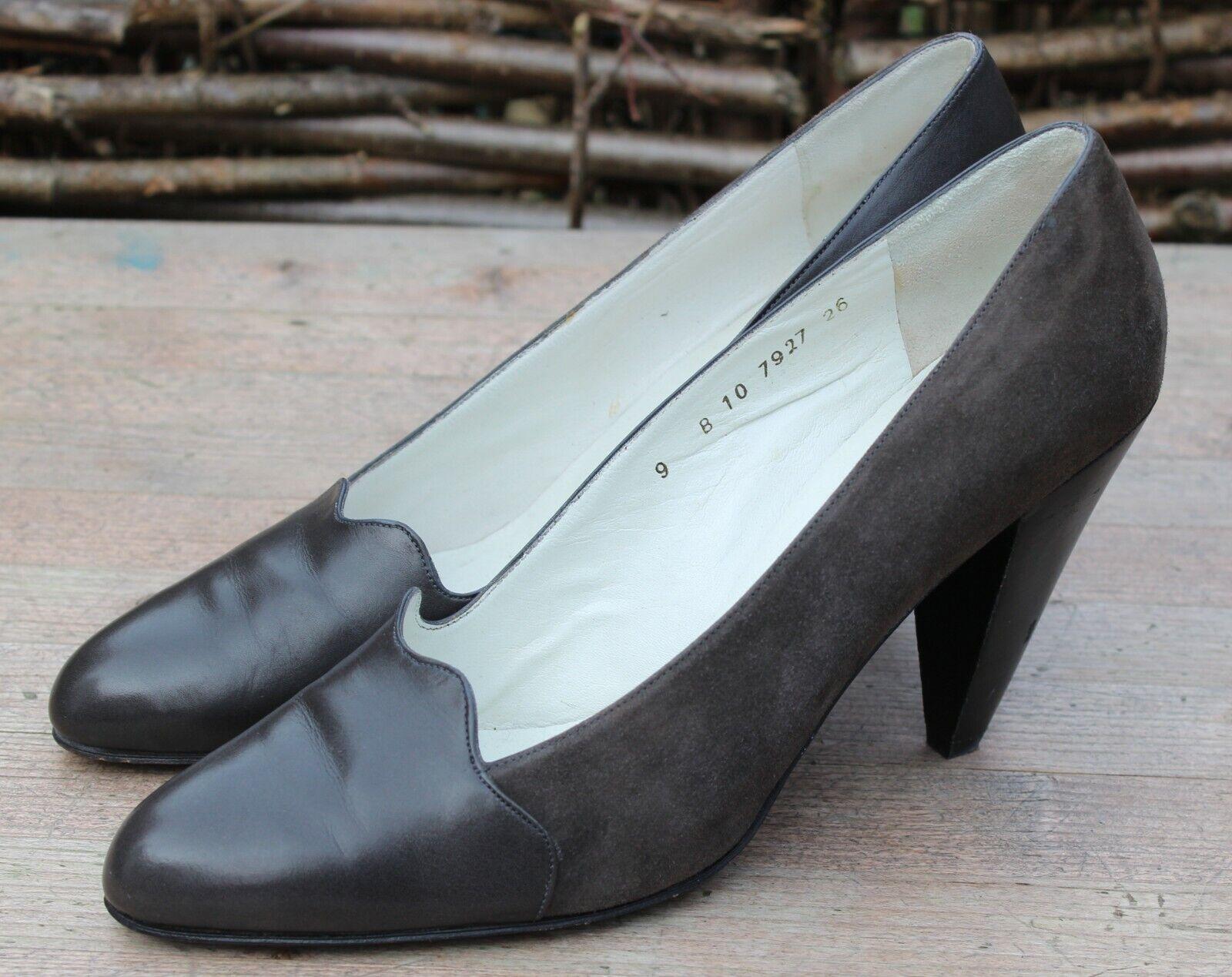 Nuova lista Robert Clergerie PARIS VINTAGE Taupe Suede Suede Suede & Leather Scarpe con tacco a CONO 9B  autentico