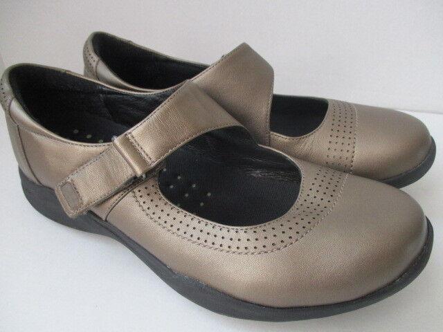 Clarks Wave Walk Women's 10M Metallic Pewter Mary Jane Walking shoes