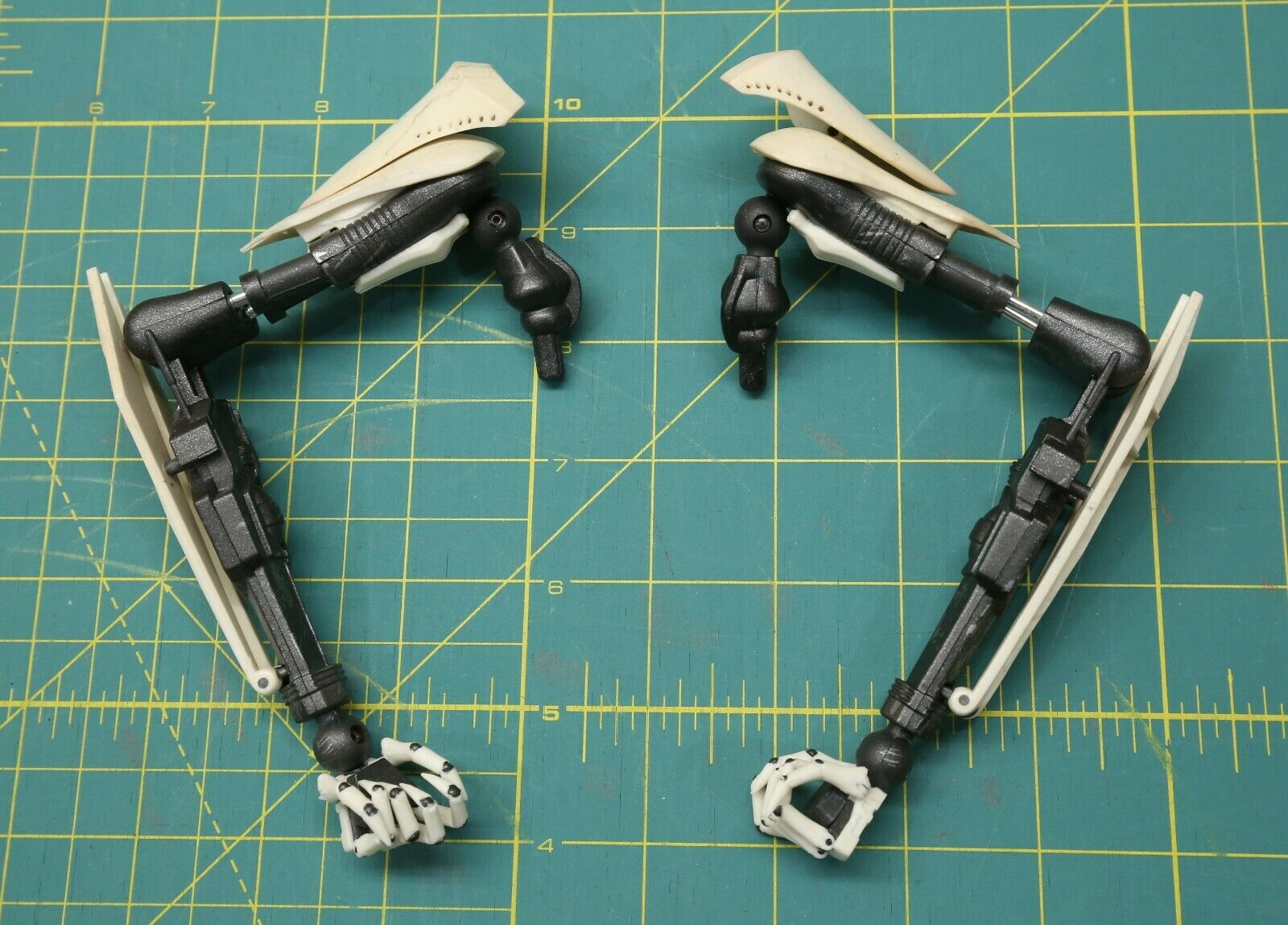 Sideshow 1/6 Scale General Grievous Joined Arm Set on eBay thumbnail