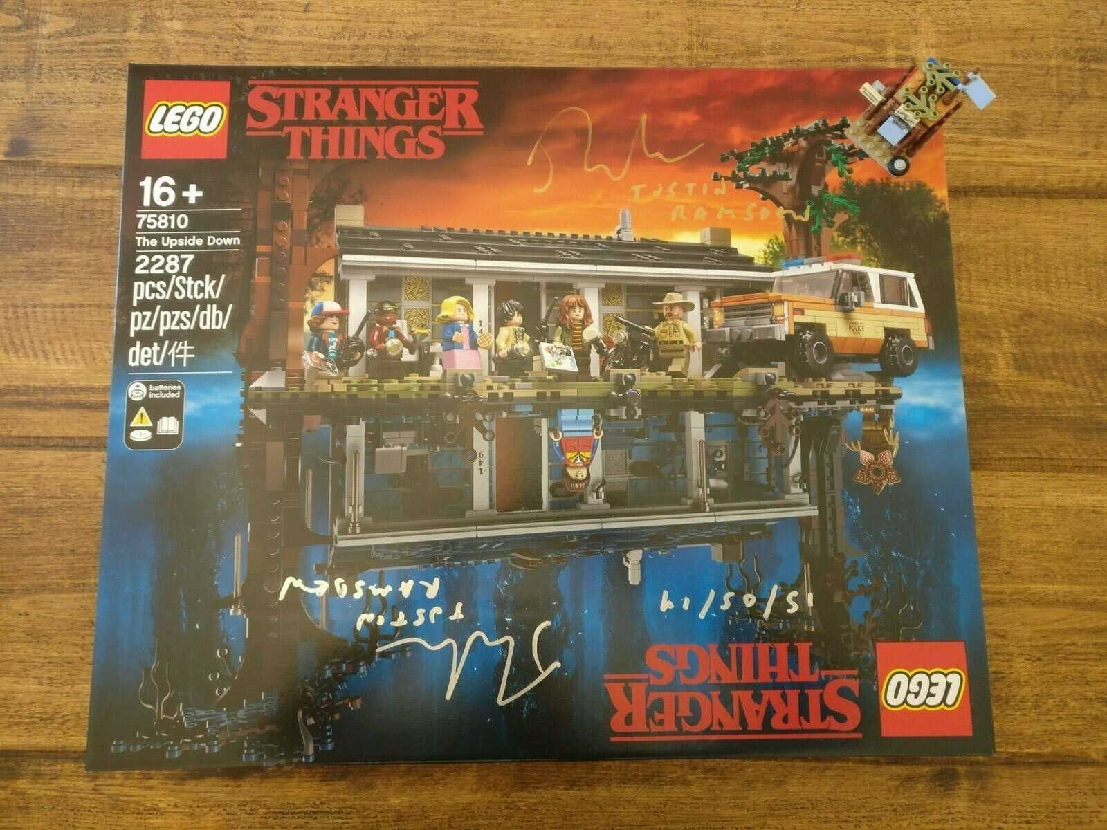 Lego 75810 Stranger Things Signed by designer with Exclusive Mini Build  Rare