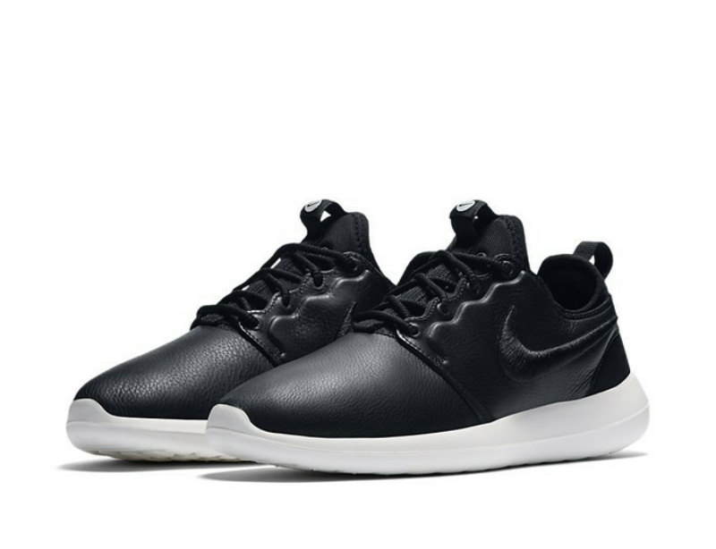 Nike WMNS ROSHERUN due si misura  881187-001