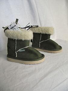BNWT-Little-Boys-or-Girls-Sz-10-Rivers-Doghouse-Brand-Short-Olive-Slipper-Boots